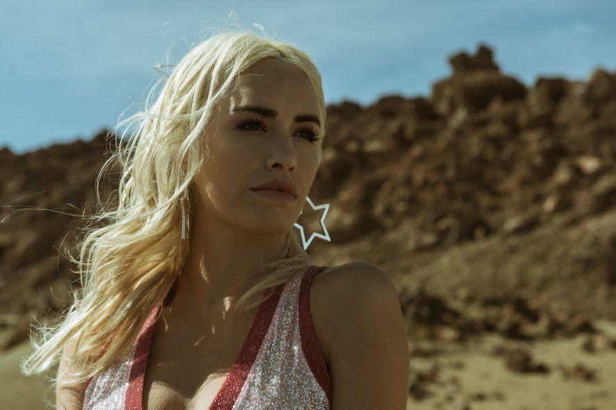 Sky Rojo es protagonizada por la actriz argentina Lali Espósito
