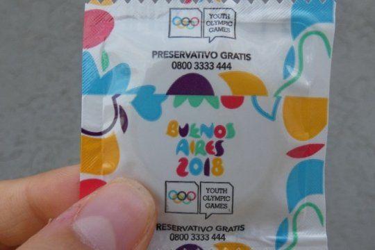 juga seguro: charlas de educacion sexual, folletos y preservativos gratis en la villa olimpica