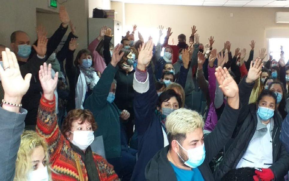 dolor de cabeza para miguel lunghi: trabajadores de salud van al paro tandil