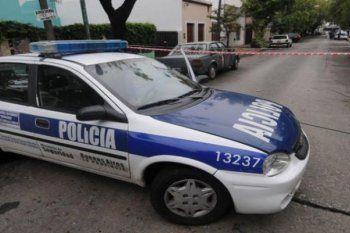 la plata: quince ladrones armados asaltaron a un jubilado de 94 anos en su casa