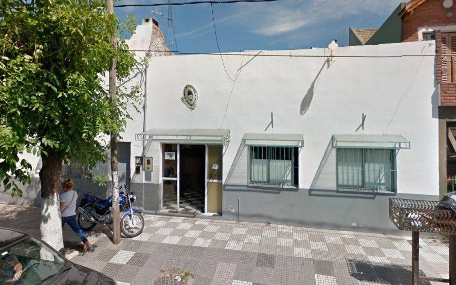 Quilmes: allanaron en simultáneo tres comisarías y desafectaron a siete policías