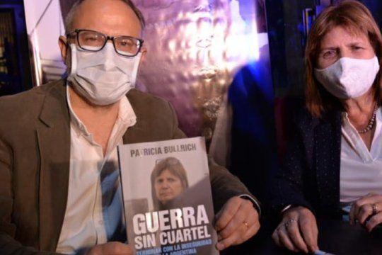 Patricia Bullrich continúa la recorrida por la provincia para presentar su libro. En Tres de Febrero cuestionó a Berni.
