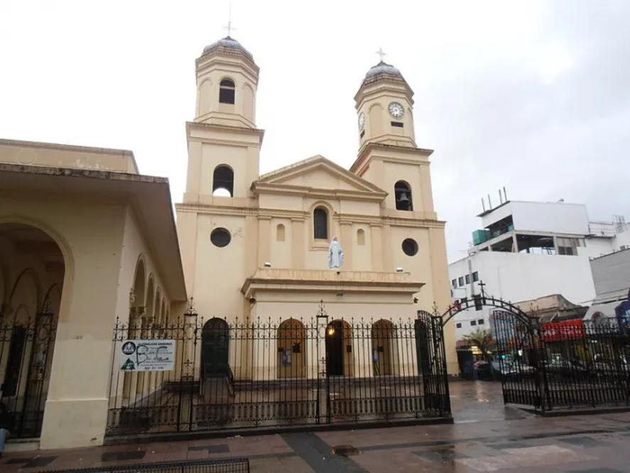 La Catedral de Quilmes, en el centro de la ciudad