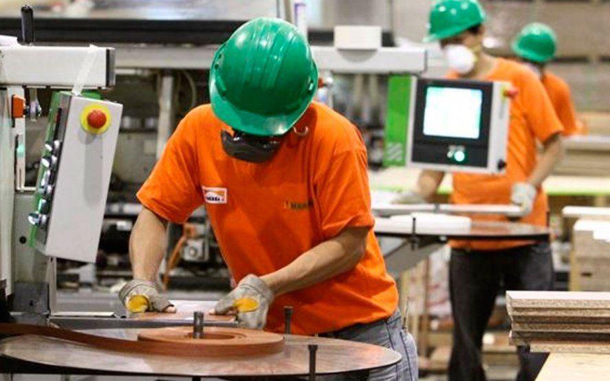 La utilización de la capacidad instalada en la industria bajó al 57,7% en marzo