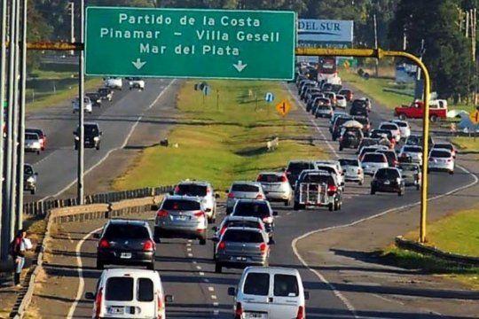 explota la segunda quincena: circulan mas de 2500 autos por hora en las rutas hacia la costa atlantica