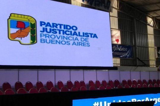 buscan que todos los candidatos a gobernador del peronismo posen juntos para la foto