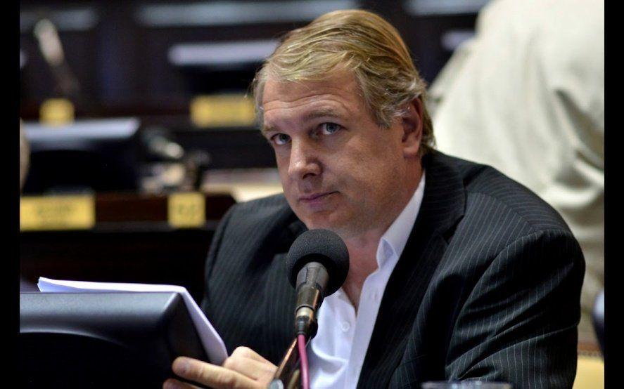 Papelón del diputado Lissalde tras insultar y denigrar a los bomberos voluntarios