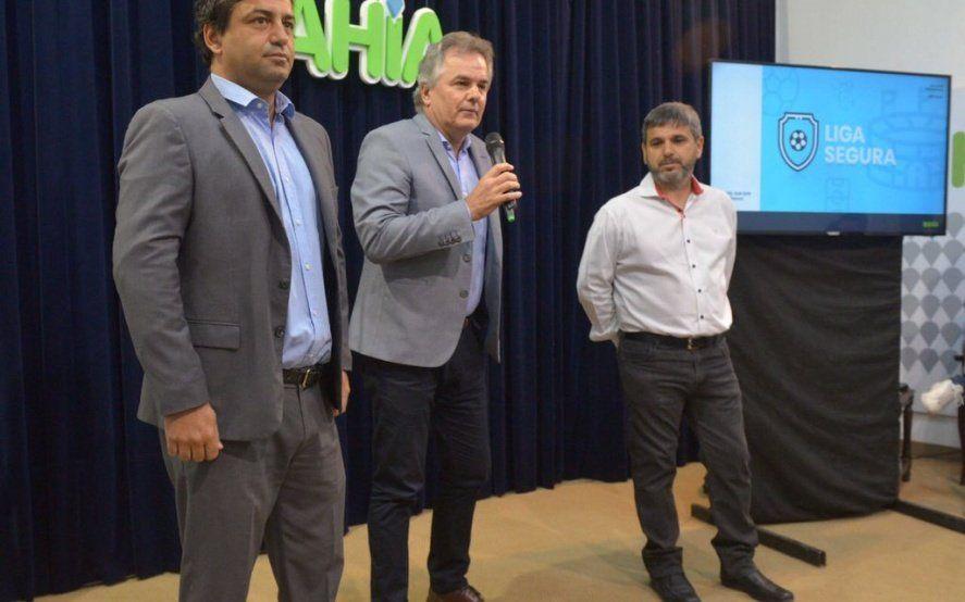 Intendente de Cambiemos otorga millonarios subsidios a grandes clubes y rechaza la ayuda a los barriales