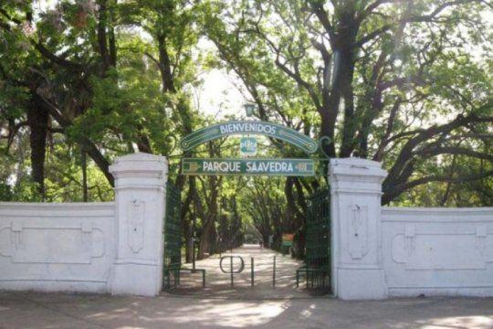 conmocion en la plata: un hombre aparecio ahorcado en un arbol del parque saavedra