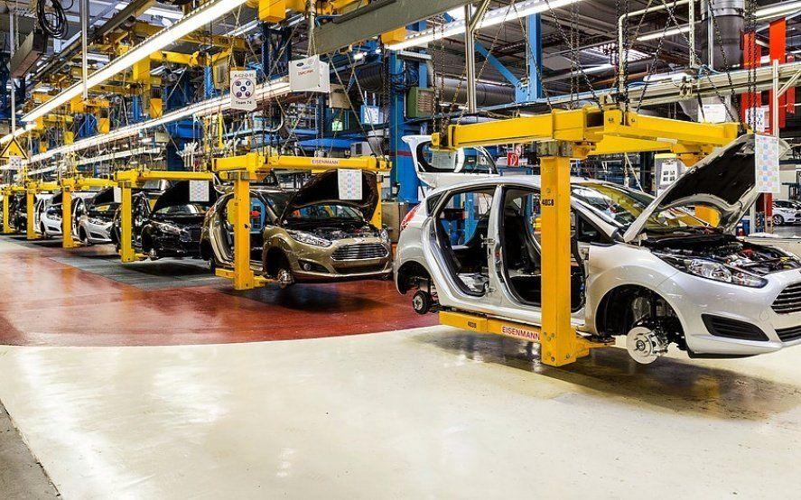 La UIA afirmó que la actividad industrial cayó 7% en septiembre y llegó a 17 meses consecutivos de baja