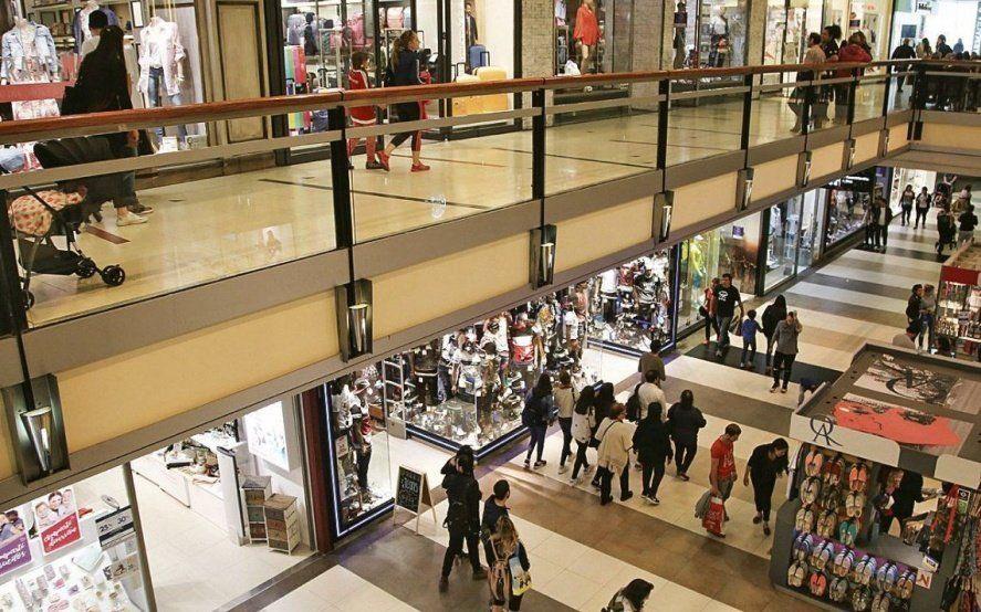 Efectos de la crisis económica: las ventas minoristas pymes cayeron 10% en enero