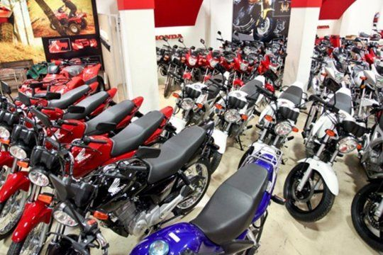 Mucha gente se acercó a la moto en los últimos meses por la necesidad de utilizar medios alternativos al transporte público, según ACARA.