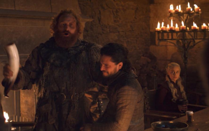 ¿Alguien pidió un café? El increíble error de Game of Thrones que es furor en las redes