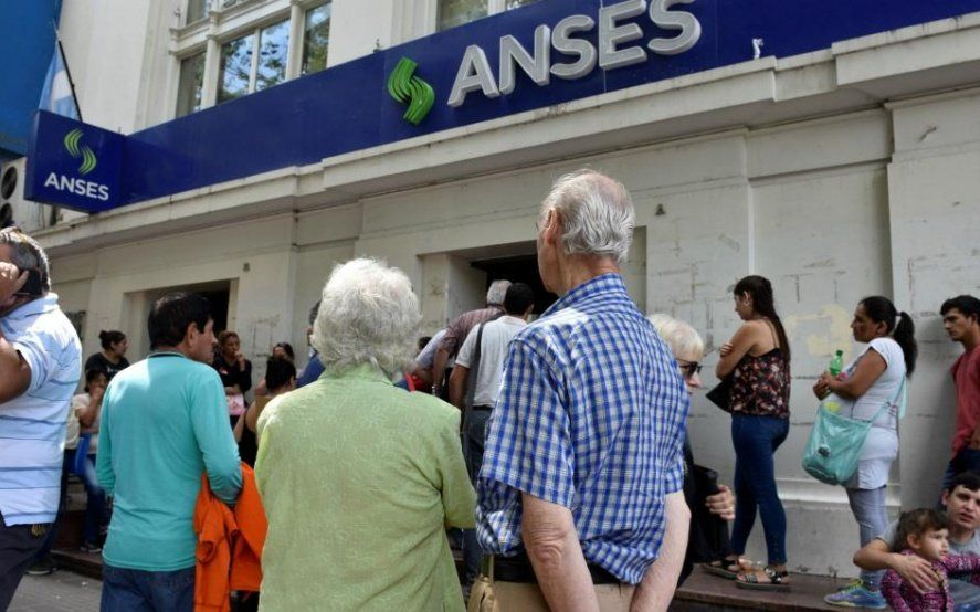 La justicia rechazó la demanda colectiva en contra del aumento a jubilados que decretó el gobierno