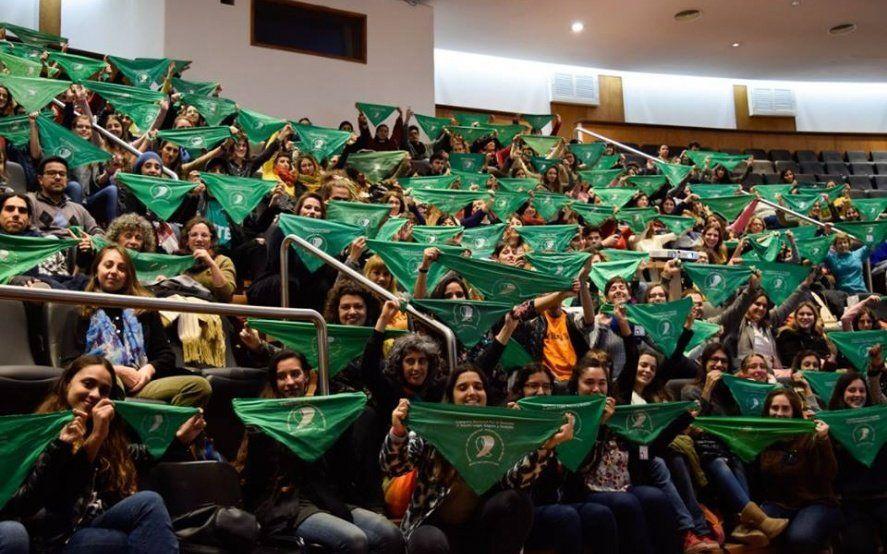 Se debate en las aulas: vuelve a la UNLP la Cátedra Libre sobre el aborto en Argentina