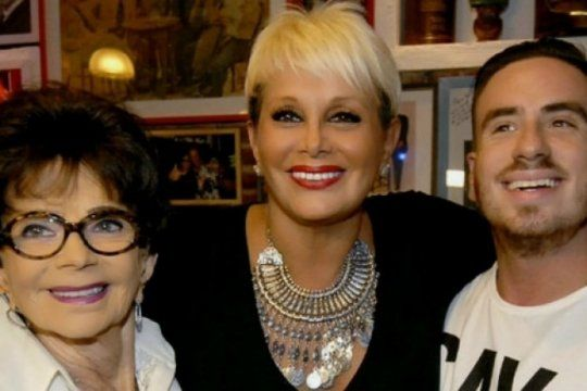 ¡el show debe continuar!: tras la muerte de su mama, carmen barbieri volvio a subirse al escenario