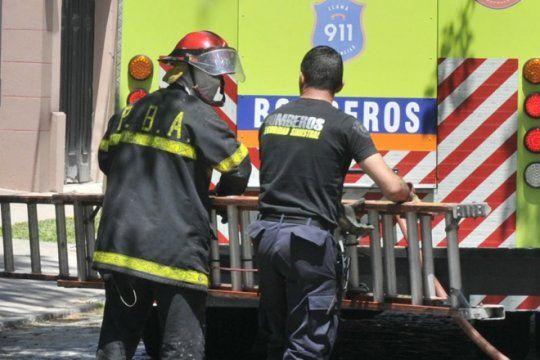 cuatro vandalos protagonizaron un raid delictivo en la plata