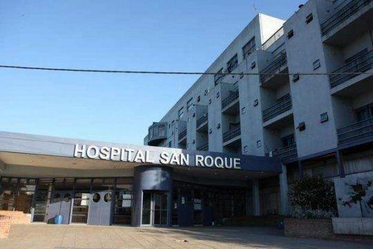 Un conductor sin registro mató a una joven y a su perro. La pareja de la víctima permanece internada en el Hospital de Gonnet (Foto)