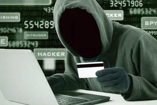 La mujer de 48 años fue engañada por mail en su casa de Chivilcoy
