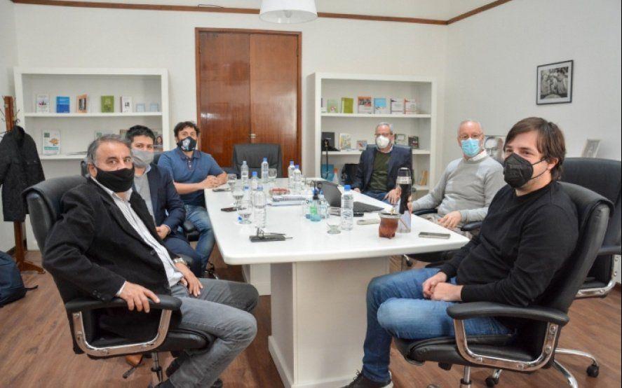 Nación y Provincia acordaron recuperar cuatro hospitales bonaerenses