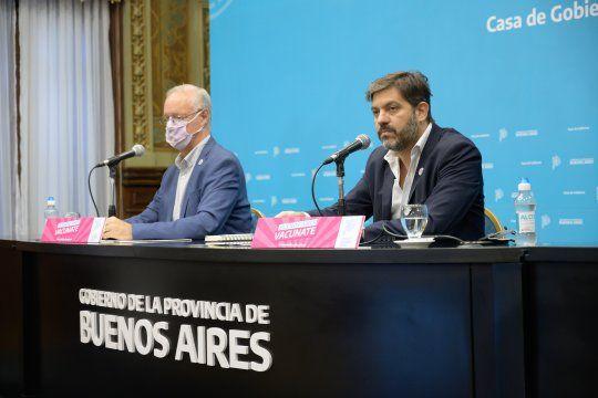 El jefe de Gabinete, Carlos Bianco, y el ministro de Salud, Daniel Gollán, detallaron la situación de la pandemia de coronavirus en la Provincia.
