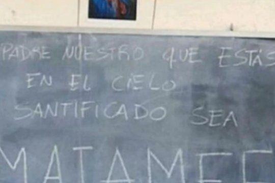 ?santificado sea miameee?: estudiantes le hicieron altares y estampitas a ricardo fort para aprobar las materias