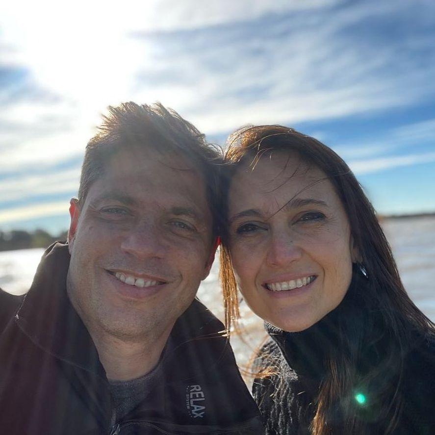 Axel Kicillof junto a su esposa Soledad Quereilhac en la Isla Martín García