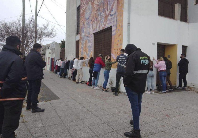 Mar del Plata: clausuran una reconocida cervecería y desactivan 10 fiestas clandestinas
