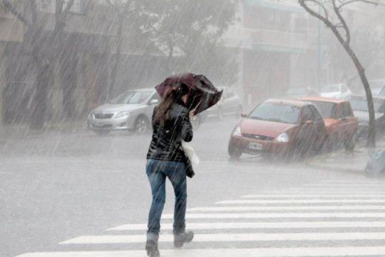 sigue el mal tiempo en la provincia: hay alertas por vientos fuertes y precipitaciones abundantes
