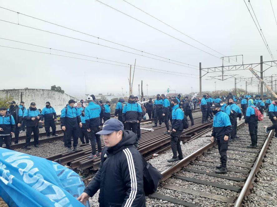 Los cinco servicios eléctricos del tren Roca se encuentran limitados (Foto: @MascariniMarce)