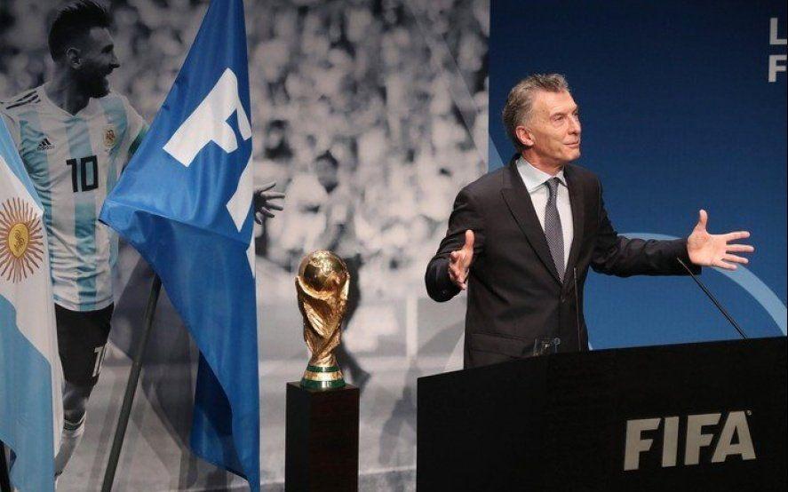 Macri volvió a hablar y anunció que está organizando un partido de fútbol para ayudar al mundo