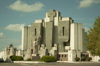 En tiempo récord, Francisco Salamone modificó el paisaje de alrededor de 20 pueblos bonaerenses con sus obras monumentales
