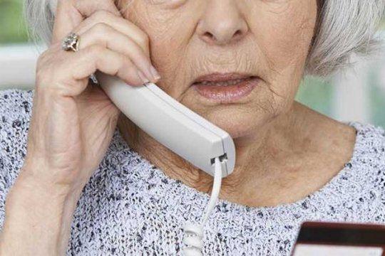 otra jubilada estafada por falsos empleados de anses: el organismo recordo que no pide informacion por telefono