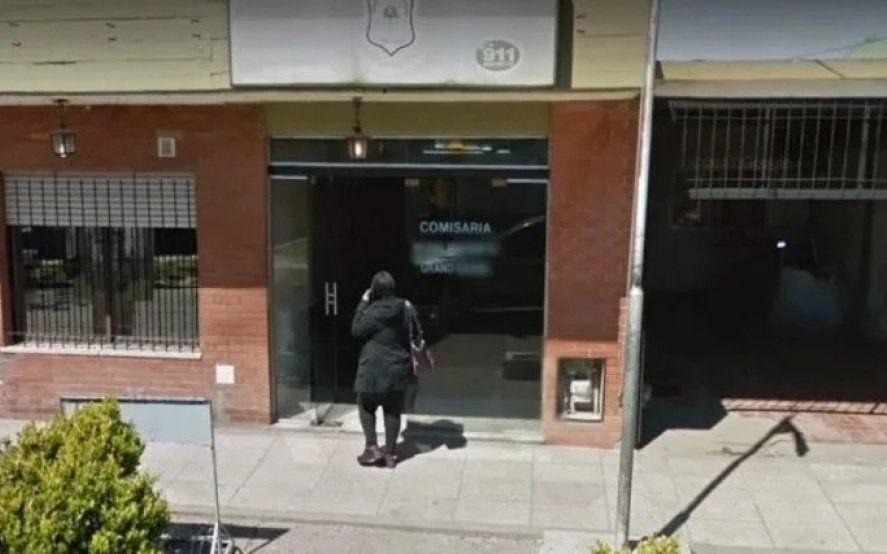 Asesinaron de una puñalada a un detenido en una comisaría bonaerense