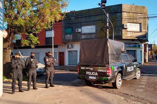 toma de rehen en caseros: al menos 400 disparos y granadas