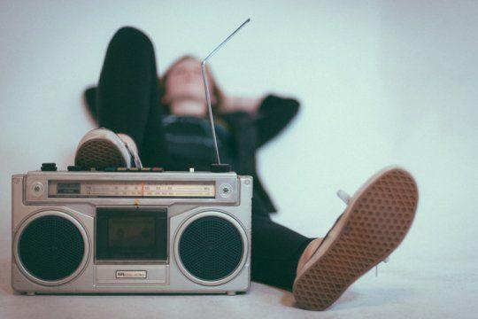 radio en cuarentena: un medio con mucho alcance que acompana siempre