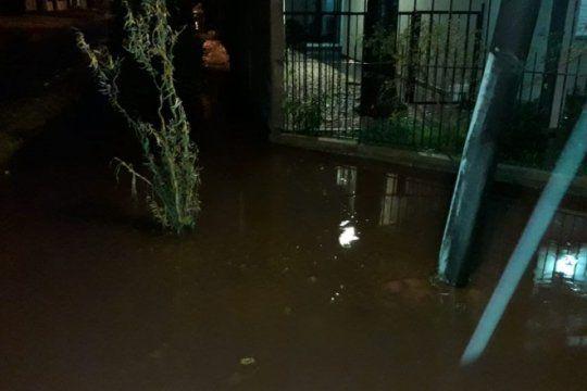la lluvia de tres meses, en 12 horas: evacuados, cortes de luz y barrios inundados en la plata