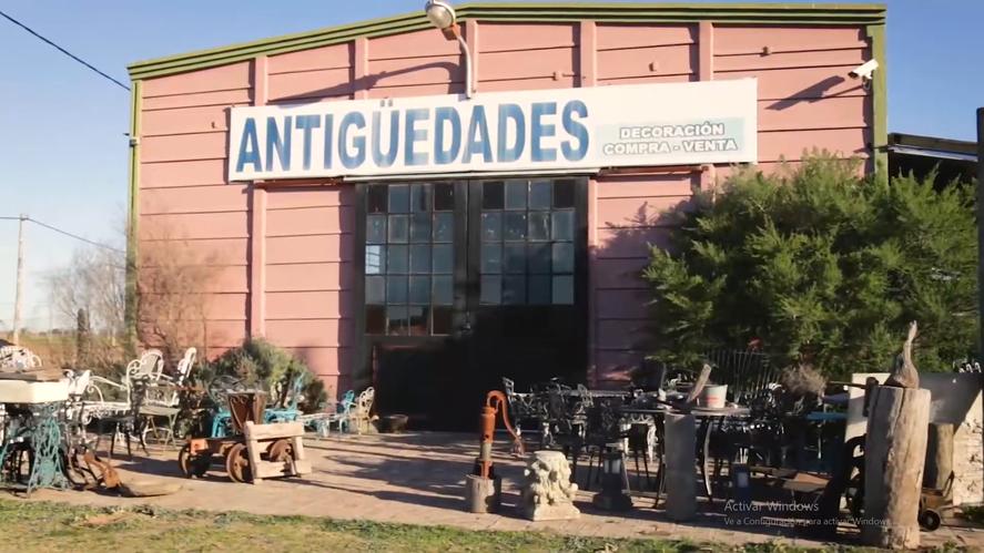 Loris Giazzon y Vanesa Cappelletti pusieron de pie un pueblo abandonado en las afueras de San Andrés de Giles