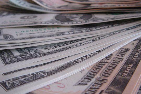 pequeno respiro: el banco central vendio 100 millones de dolares y el dolar cayo 44 centavos
