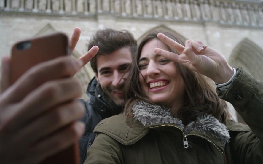 Selfie sí, selfie no: el nuevo debate en Twitter después del incendio de la catedral de Notre Dame