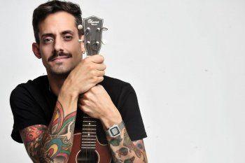 """Con un espectáculo de música y humor, Agustín Aristarán, conocido popularmente como Soy Rada, traerán las canciones de su último trabajo """"Álbum de cicatrices""""."""