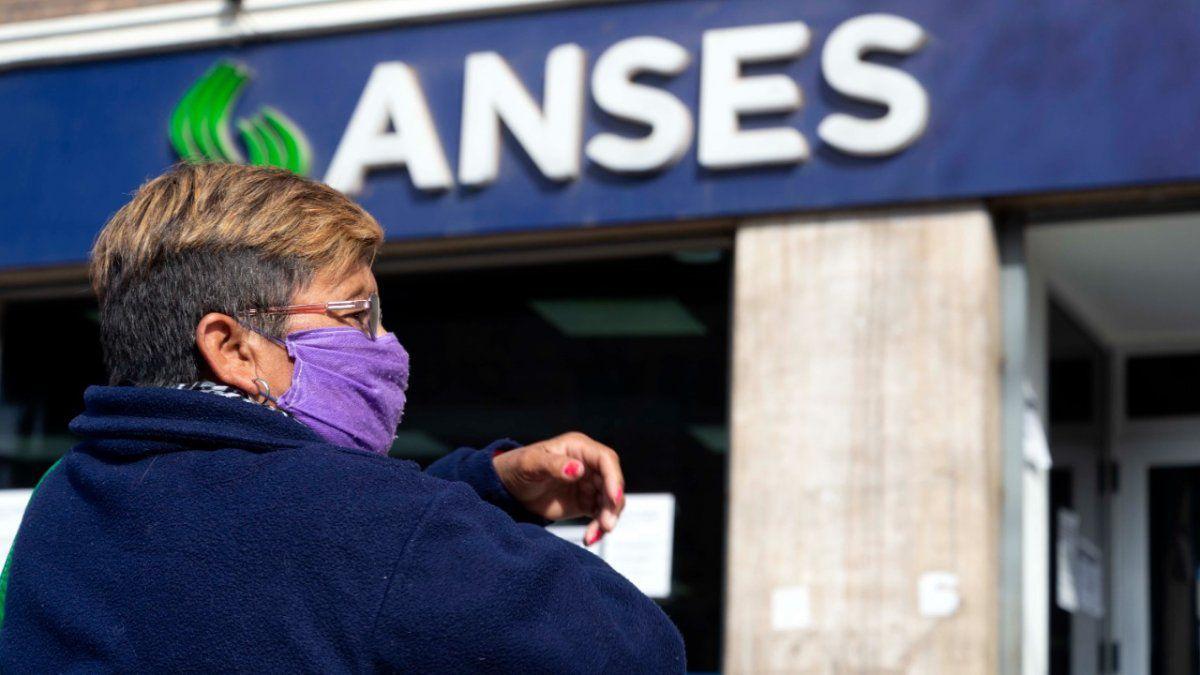 El Gobierno aclaró los términos de las jubilaciones anticipadas con 30 año de aporte que gestionará la ANSES