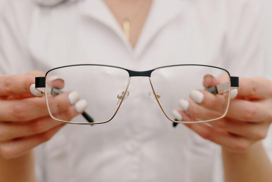En este programa de la Provincia es la Fundación Banco Provincia quien realiza los anteojos a través de un laboratorio óptico.