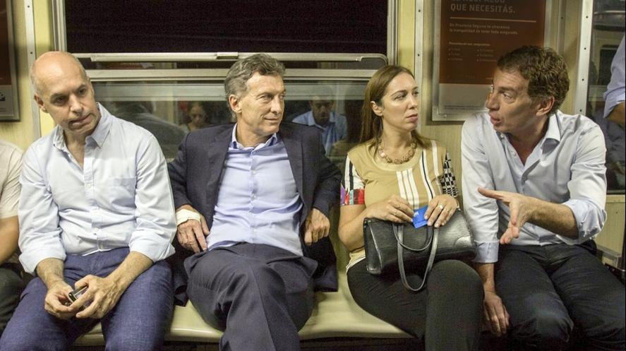 Diego Santilli junto a Mauricio Macri, Horacio Rodríguez Larreta y María Eugenia Vidal. Porteños que van y vienen de la Provincia a la Ciudad.