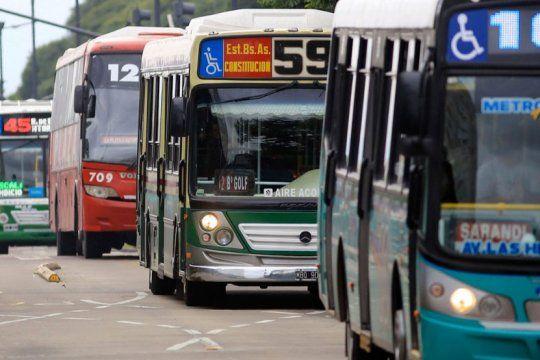 la defensoria puso la lupa sobre el transporte publico y lanzo una encuesta destinada a usuarios