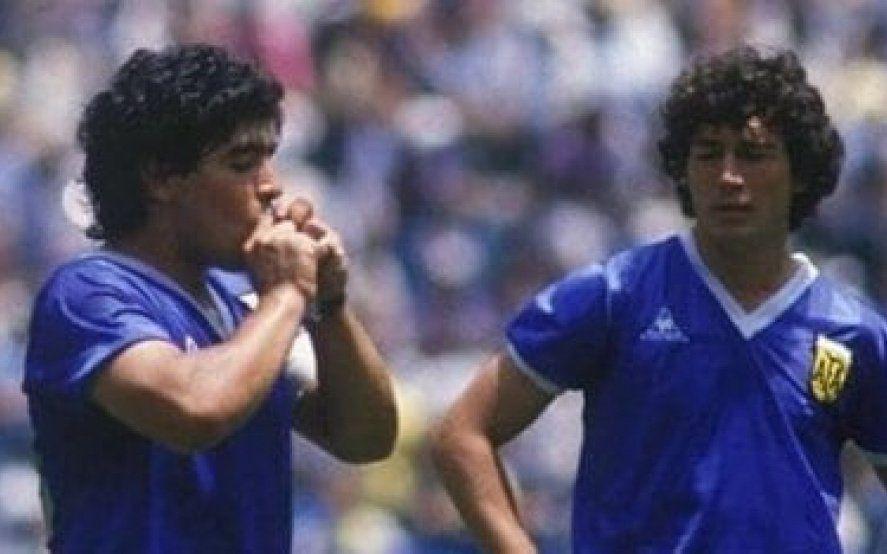 El Chino Tapia dispuesto a negociar para recuperar la camiseta que usó contra Inglaterra