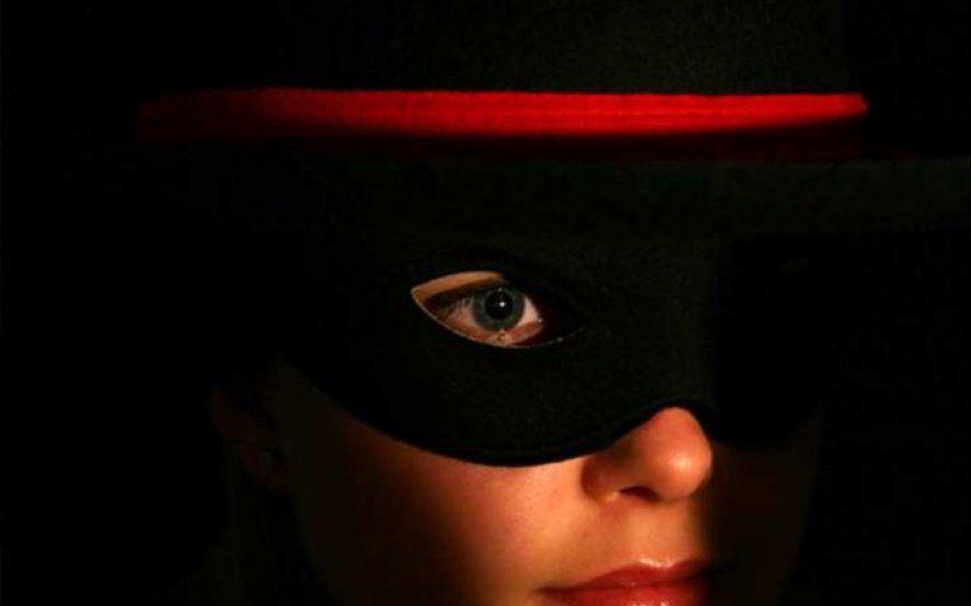 """Después de """"El Zorro"""", llega """"La Zorra"""": vuelve la serie del mítico personaje protagonizada por una mujer"""