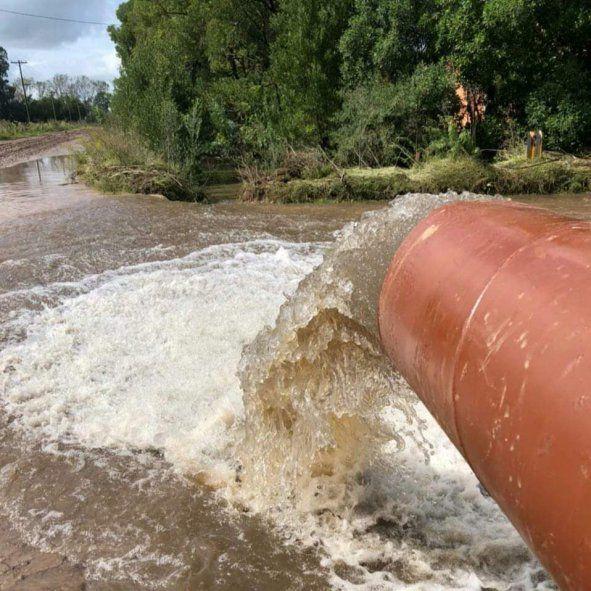 Una de las estaciones de bombeo que retiró agua de Castelli tras el temporal