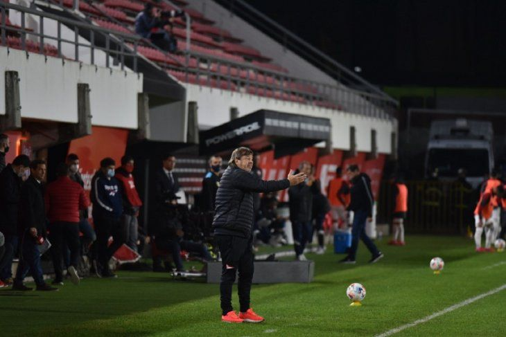 Ricardo Zielinski en el partido de Estudiantes ante Independiente (Prensa EDLP)