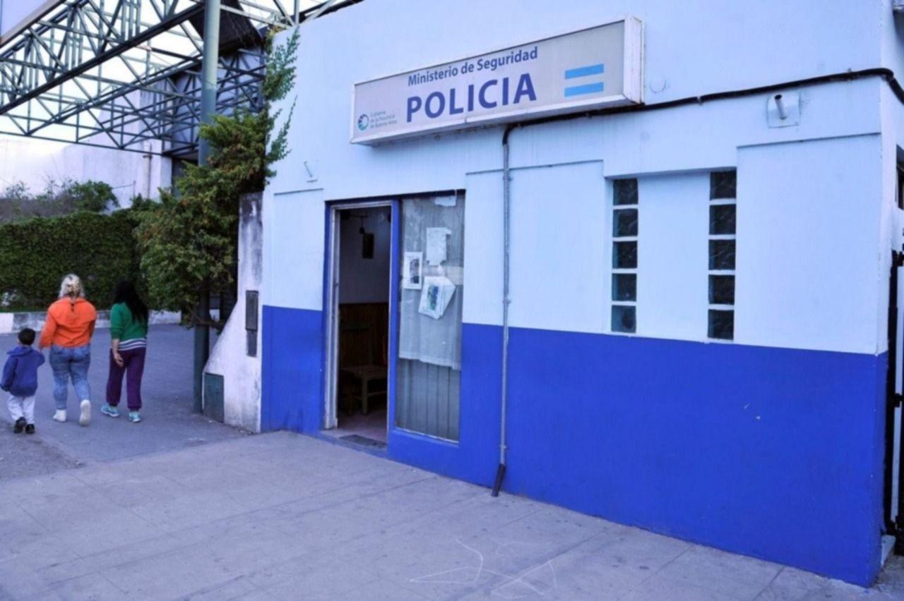 Investiga personal de la comisaría de Villa Ponsati